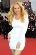 lohan white dress