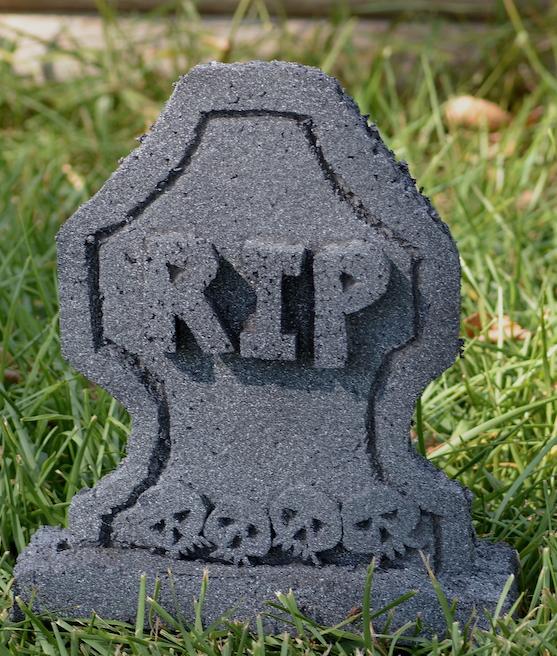 skull-tombstone